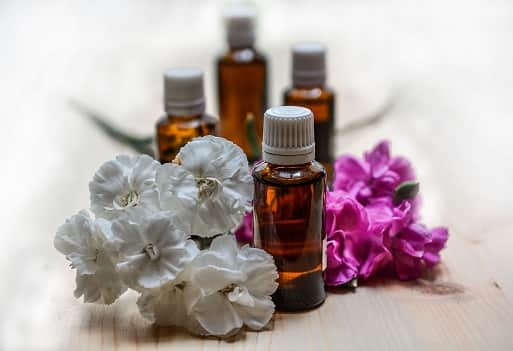 Essential Oils Home Remedies for Removing Pimples Overnight