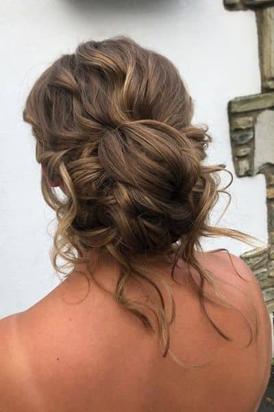 40 Easy Messy Bun Hairstyles For Every Hair Type