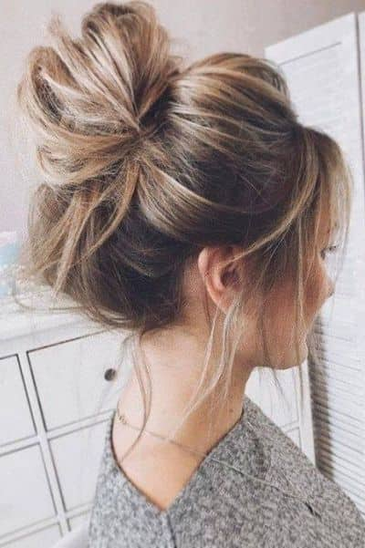 Messy Bun with Volume